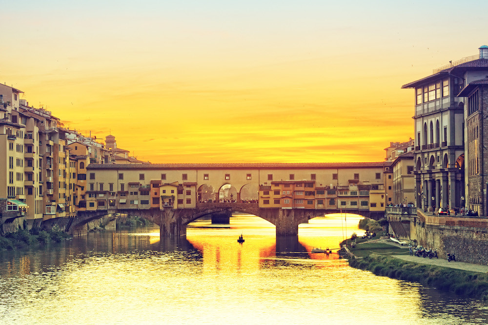PRIVATE DINING EXPERIENCE ON THE PONTE VECCHIO.jpg